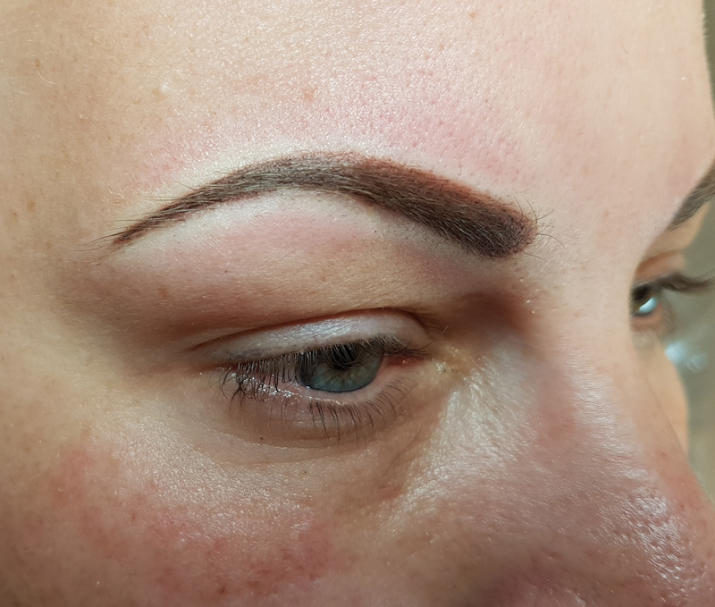 Wenkbrauwen Permanent Make-up na
